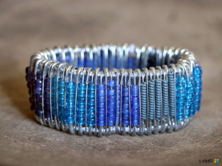 Armband SAFETY PINS blau