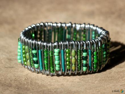Armband SAFETY PINS grün